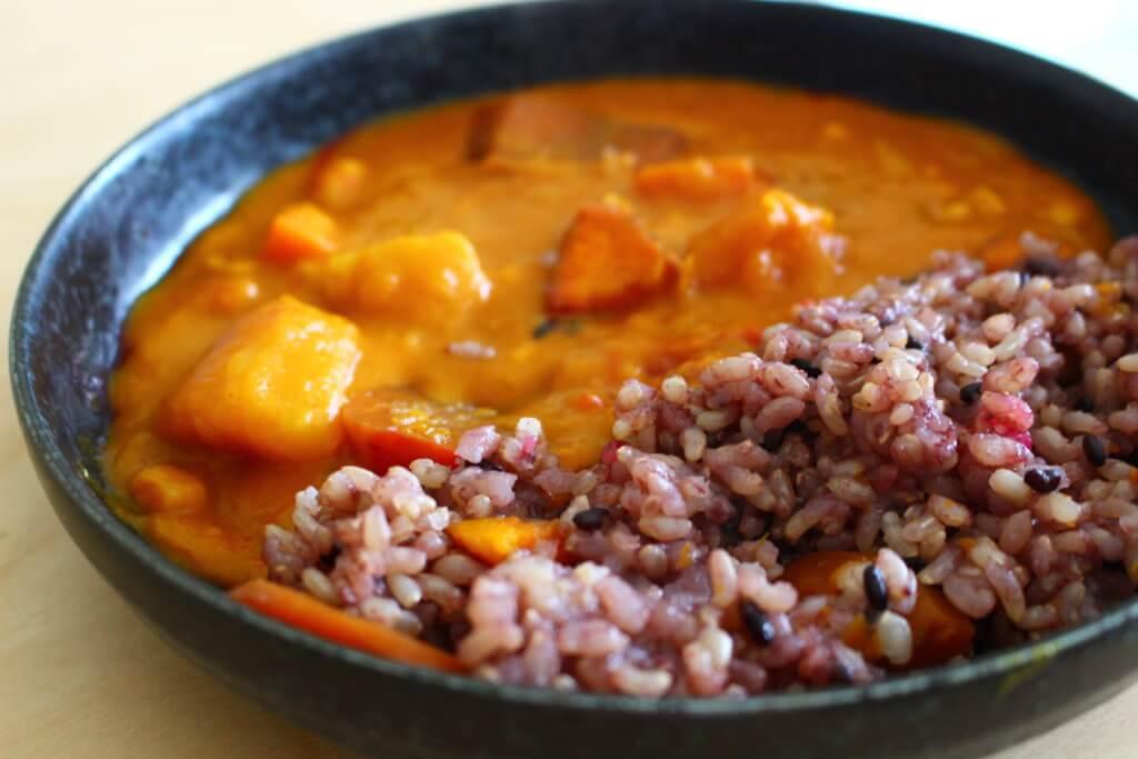 ビーツの玄米カレー