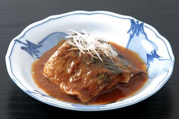 青背の魚(イワシ、アジ、サンマ、サバ)