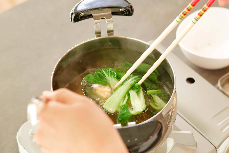 味を整え、汁も冷ます。