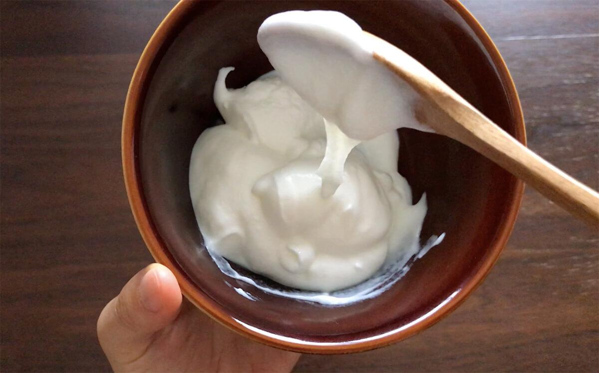 33~35℃で20~30時間発酵させるメーカーさんのヨーグルト。