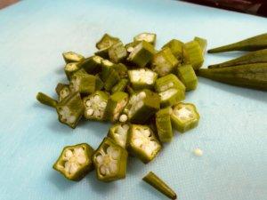 野菜はそれぞれ食べ易い大きさにカットします。